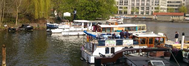 Salonschiff-Berlin_Heiraten-Schiff_mieten-chartern Damperfahrt-Bootstour-Spree 3