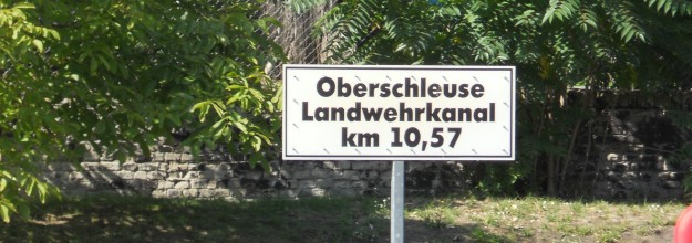 schifffahrt-berlin Brueckenfahrt Schiff mieten Landwehrkanal